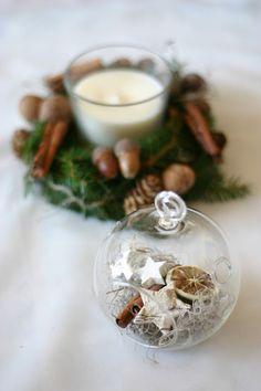 Flowers of Soul: Decorațiuni handmade pentru Crăciun Table Decorations, Christmas, Home Decor, Corona, Xmas, Decoration Home, Room Decor, Navidad, Noel