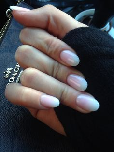 How fab are these ombré nails? Loving my new set. Pink to off white. Or, off white to pink.