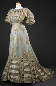 Evening Dress, c.1900, pretty, but still modest. Eva would love it.