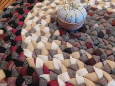Oval Rugs, The Settlers, Best Insulation, Dresden Plate, Braided Rugs, Quilted Pillow, Chair Pads, Types Of Rugs, Yarn Needle