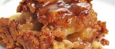 Gâteau Pouding aux Pommes Sauce au Caramel Sauce Caramel, Meatloaf, Granola, Lasagna, Baked Potato, Macaroni And Cheese, Muffins, Deserts, Food And Drink