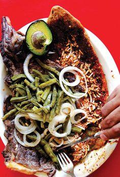 Guarache con carne asada,al estilo del DF.