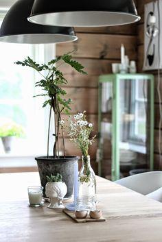 Gorgeous Scandinavian home // Hermosa casa escandinava / Casa Haus Nat Et Nature, Norwegian House, Rue Verte, Scandinavian Living, Vintage Interiors, Blog Deco, Living Spaces, Living Room, Sweet Home
