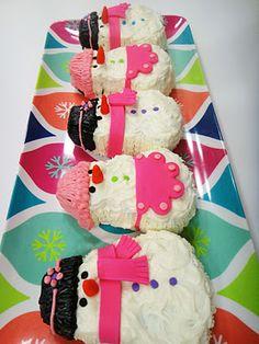 Perfect Mini Snowman Cake Pan - Cupcakepedia