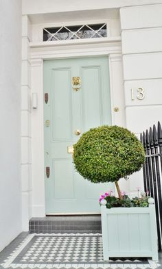 Front Door Paint Colors - Want a quick makeover? Paint your front door a different color. Here a pretty front door color ideas to improve your home's curb appeal and add more style! Aqua Front Doors, The Doors, Front Door Colors, Green Doors, Dark Doors, Home And Deco, My Dream Home, Interior And Exterior, Exterior Design