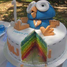 'Hoot' rainbow cake - Giggle and Hoot