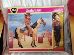 Sindy+Western+Set+Doll+&+Horse+Pedigree+1981.+Nearly+New/+Very+Rare.Brunette