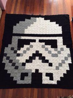 Stormtrooper Star Wars granny crochet pixel blanket (only photo).