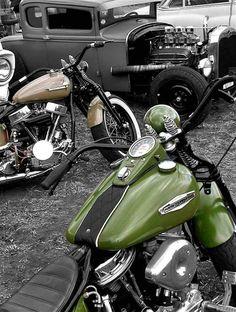 pan head Harley in gloss olive green
