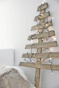 Christmas tree, wood | Xmas decoration . Weihnachtsdekoration . décoration noël | Design: DIY @ my scandinavian home |
