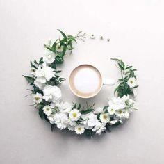 Sweet Flowers Circling Yummy Coffee ☕