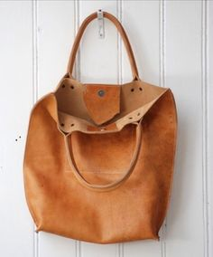KP leather hobo bag (inside view) made by LABOUR OF ART - designer crossbody bags sale, leather bags for women on sale, shoulder bags online shopping *ad My Bags, Tote Bags, Purses And Bags, Cheap Purses, Unique Purses, Duffle Bags, Clutch Bags, Messenger Bags, Leather Hobo Bags
