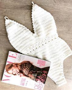 70 Super Ideas For Crochet Bikini Pattern Monokini Crochet Bikini Pattern, Crochet Bikini Top, Crochet Woman, Knit Crochet, Crochet Clothes, Diy Clothes, Crochet Bathing Suits, Crochet Summer Tops, Knit Fashion