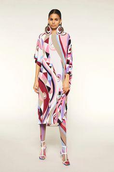 Emilio Pucci Pre-Fall 2020 Fashion Show - Emilio Pucci Pre-Fall 2020 Collection – Vogue - Dubai Fashion, Runway Fashion, High Fashion, Fashion Show, Womens Fashion, Fashion Fashion, Emilio Pucci, Vogue Paris, Spring Couture