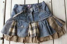 Falda de niña con vaqueros reciclados