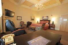 Best Western Merry Manor Inn - Captain Lafayette Theme Room - www.merrymanorinn.com #mainevacation #mainehoneymoon Casco Bay, Best Western, Best Wordpress Themes, Best Hotels, Portland, Westerns, Maine, Merry