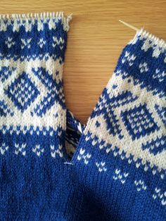 Needlework, Knitted Hats, Knitting Patterns, Barn, Inspiration, Fashion, Tricot, Embroidery, Biblical Inspiration