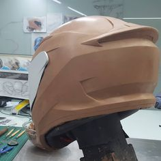 Why Clay is here to stay : Clay Modeling in Automotive & Industrial Design — The Maker's Field Guide Mould Design, Clay Design, Automotive Engineering, Automotive Design, Motorcycle Design, Bicycle Design, Futuristic Helmet, Car Design Sketch, Helmet Design