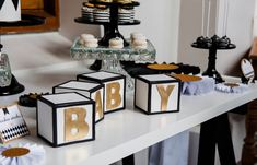 This Fit for a Prince baby shower was sent to us by Amanda from Red Wagon Events and Daisy of Leo and Bella. The party was timely, as it happened just around the time that Prince George was born. The ladies used a harlequin design with a black and gold palette for a luxurious and modern vibe. We love …