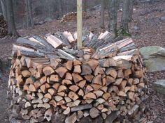 Round woodpile in progress - Holz Hausen!