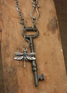 Two things I love.old keys and dragon flies. Skeleton Key Jewelry - Large Solid Shanked Steel Skeleton Key Long Length Necklace - Simple, Great for Layering - Always in Style Jewelry Crafts, Jewelry Art, Beaded Jewelry, Jewelry Design, Jewelry Rings, Diy Schmuck, Schmuck Design, Skeleton Key Jewelry, Skeleton Keys