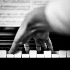 The piano is a tangible musical instrument. If you have the heart of a musician, you have to learn to play piano. You can learn to play piano through software and that's just what many busy individuals do nowadays. The piano can b Black N White, Black And White Pictures, Sound Of Music, Music Is Life, Hand Fotografie, Photo Main, Musica Love, Actor Secundario, Hand Photography