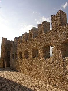 Rocca Calascio - Mura del castello.