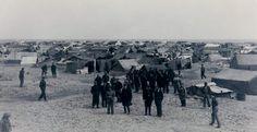 1939-Camp de Saint Cyprien 2 Suite à la Retirade, le 8 février 1939, sur la plage de Saint-Cyprien, les autorités militaires installent un camp destiné à interner entre 70 000 et 90 000 républicains espagnols.  Au mois de mars 1939, 100 000 internés sont recensés dans ce camp qui s'étale désormais sur près de 24 hectares.