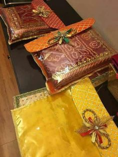 Luxury Wedding Favor Bags in clear plastic with gota work . These arelarge size bags . Perfect to keep chocolates, individually wrapped sweets or Mithai. Perfect for cloth style wedding favors. These are saree bags. Indian Wedding Gifts, Wedding Favours Luxury, Luxury Wedding Venues, Wedding Favor Bags, Unique Wedding Favors, Wedding Crafts, Wedding Ideas, Wedding Decorations, Trendy Wedding