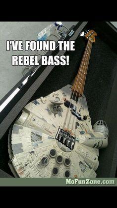 Millenium Falcon - The Rebel bass guitar - Guitar shaped like Millenium Falcon - a spaceship of Han Solo from Star Wars. Star Wars Meme, Star Wars Film, Funny Star Wars, Starwars, Intelligent Design, Super Memes, All Meme, Millenium Falcon, Guitar Pics