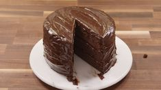 This 'Matilda'-Inspired Chocolate Fudge Cake Will Bring Out Your Inner Bruce Bogtrotter Delish Matilda Chocolate Cake, Chocolate Fudge Cake, Decadent Chocolate, Chocolate Chocolate, Food Cakes, Cupcake Cakes, Cupcakes, Bundt Cakes, Köstliche Desserts