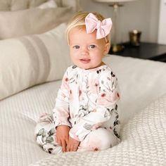 Cute Little Baby, Cute Baby Girl, Little Babies, Baby Kids, Blonde Babies, Blonde Baby Girl, Cute Baby Pictures, Cute Babies Pics, Adorable Babies