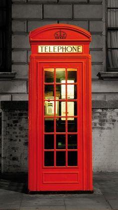 Φωτοταπετσαρία με διάσταση 0,95X2,10μ για διακόσμηση πόρτας στο http://www.keepyourhousefresh.gr/tapetsaries-toixou/phototapetsaries/fototapetsaria-telephone-cabin.html