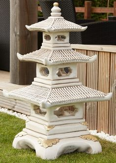 White and Gold coloured pagoda. From paving to luxury garden furniture, statues to outdoor accessoriesStatues, Ornaments and Water Features Japanese Garden Lanterns, Japanese Stone Lanterns, Small Japanese Garden, Japanese Garden Design, Japanese Style, Cerca Natural, Japanese Pagoda, Luxury Garden Furniture, Outdoor Stone
