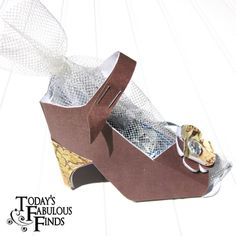 Because Every Girl Loves Shoes ~ #Paper #Shoe #Favor #Template