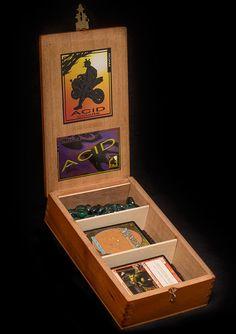 Magic The Gathering Wooden Deck Box - Acid Juggernaut Cigar Box Art, Cigar Box Crafts, Wooden Cigar Boxes, Laser Cutter Ideas, Travel Box, Deck Box, Magic The Gathering Cards, Card Storage, Wooden Decks