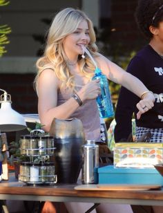 Chloe Grace Moretz – Set of Neighbors 2 Sorority Rising : Global Celebrtities (F) FunFunky.com