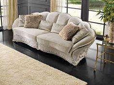 Итальянская мягкая мебель Dahlia фабрики GOLD CONFORT Living Room Sofa Design, Home Room Design, Living Room Decor, Wooden Sofa Designs, Sofa Set Designs, Sofa Furniture, Luxury Furniture, Furniture Design, Luxury Sofa