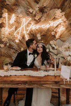 Bohemian Wedding Decorations, Boho Decor, Bohemian Wedding Inspiration, Wedding Welcome, Wedding Planning, Wedding Ideas, Table Wedding, Farm Wedding, Wedding Couples