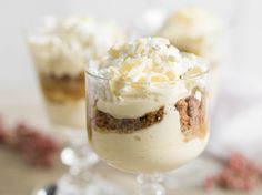 I've made this (December It was delicious! Mini Desserts, Delicious Desserts, Dessert Recipes, Kiwi, High Tea, Creme, Food And Drink, Pudding, Sweets