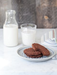 What to do with the almond pulp leftover after making almond milk? Almond Pulp Double Chocolate Cookies - Danielle Walker's Against All Grain Paleo Dessert, Healthy Sweets, Healthy Dessert Recipes, Gluten Free Desserts, Whole Food Recipes, Delicious Desserts, Yummy Food, Paleo Recipes, Cooking Recipes