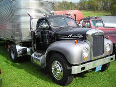 Mack Truck Model B-61
