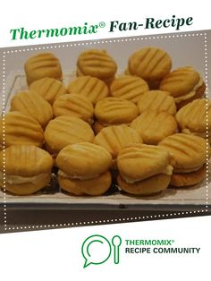 Recipe Tracy's CWA Yo-yo's or melting moments by Tracy's Thermomix, learn to make this recipe easily in your kitchen machine and discover other Thermomix recipes in Baking - sweet. Bellini Recipe, Melting Moments, Thermomix Desserts, No Bake Snacks, Sweet Recipes, Yummy Recipes, Biscuit Cookies, Yo Yo Biscuits, Baking Recipes