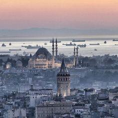 Süleymaniye Camii ve Galata Kulesi