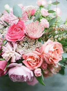 Pink garden roses | Sherri Koop Photography | 100 Layer Cakelet #roses #centerpiece #pink