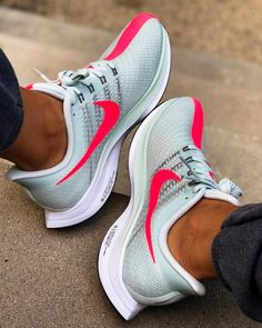 50 best nike shoes 2019 can really make you cooler page 19 Nike Training Shoes, Running Shoes, Sneaker Store, Nike Shoes, Sneakers Nike, All Star, Nike Air Zoom Pegasus, Ankle Strap Shoes, Only Shoes