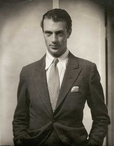 Gary Cooper 1930 ... a very handsome and dapper man!