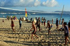 Boracay for budget travellers Essential Guide. All you need to know to make the most out of Boracay, without running out of money. Party Scene, Snorkelling, Top Destinations, Travel Couple, Lonely Planet, Travel Essentials, Backpacking, Philippines, Budgeting