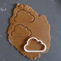 Πρωτότυπα κουπάτ στο 3D Spot!!! Φτιάξτε μαζί με την Ελενίτσα και το Μανωλάκη τα πιο παιχνιδιάρικα και νόστιμα μπισκοτάκια... στα αγαπημένα τους σχέδια φυσικά! 👧👨👩🍪🍪🍪 #cookiecutter #κουπατ #μπισκοτα #surprise #biscuits #συνταγή #diy #δωρο #cookies #3dprinted #3dprints #easter #candles #3dworld #3ddesign #3dprint #3dprinting #3dprintideas #thessaloniki #3dspot #3dprintedsign #ideas #innovations #print #design #3dprinter #3dprintedmodels 3d Prints, Cookie Cutters, Cookies, Desserts, Food, Crack Crackers, Tailgate Desserts, Deserts, Biscuits