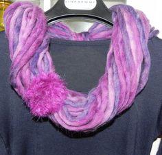 Sciarpa collana toni del viola fatta a mano regalo infinity scarf